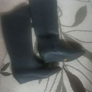 BC black boot size 8.5